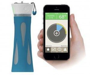 Фитнес трекер - умная бутылка и смартфон контролируют уровень гидратации организма