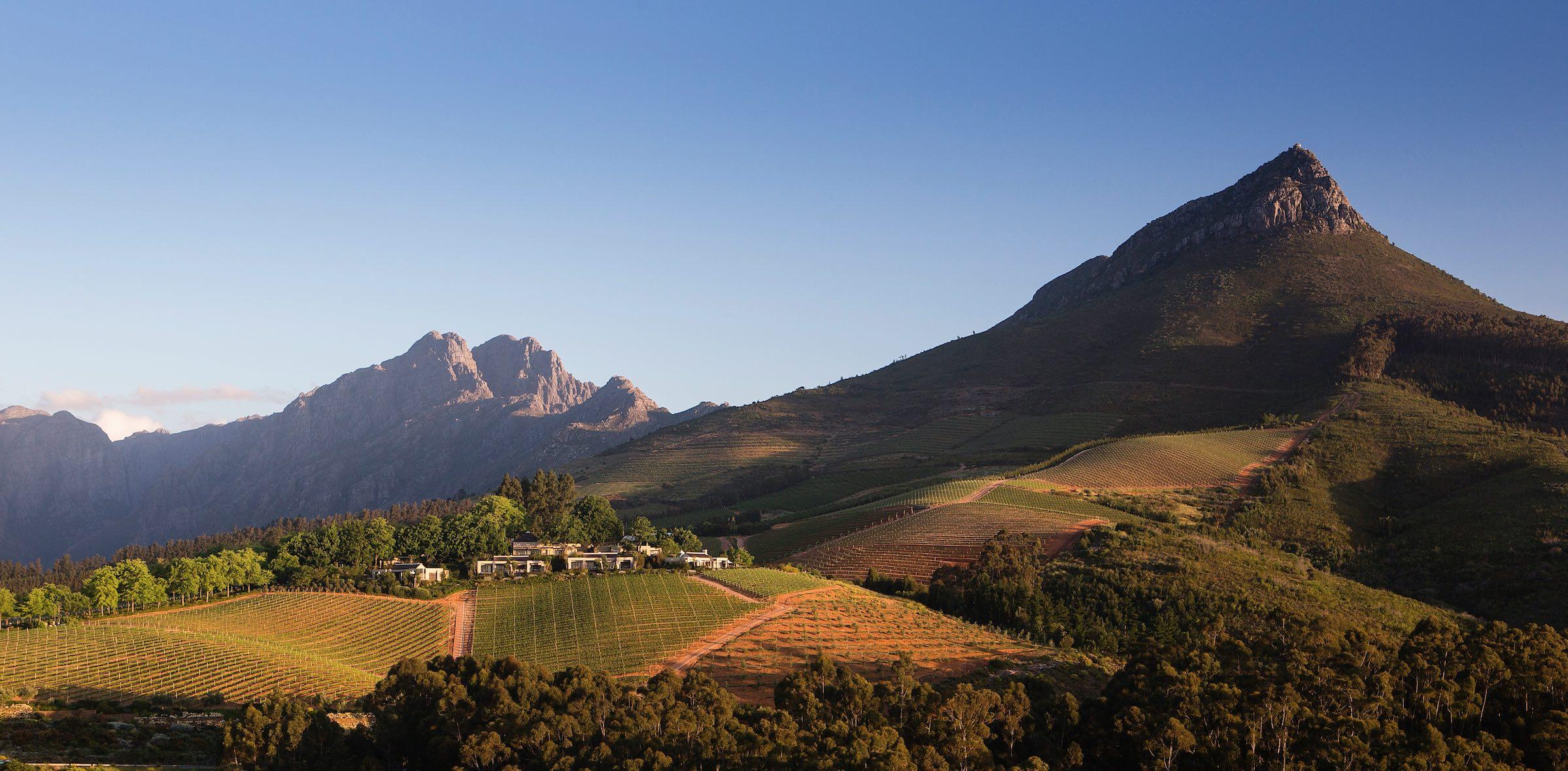 Велнес туризм в Африке, курорт в горах возле Кейптауна