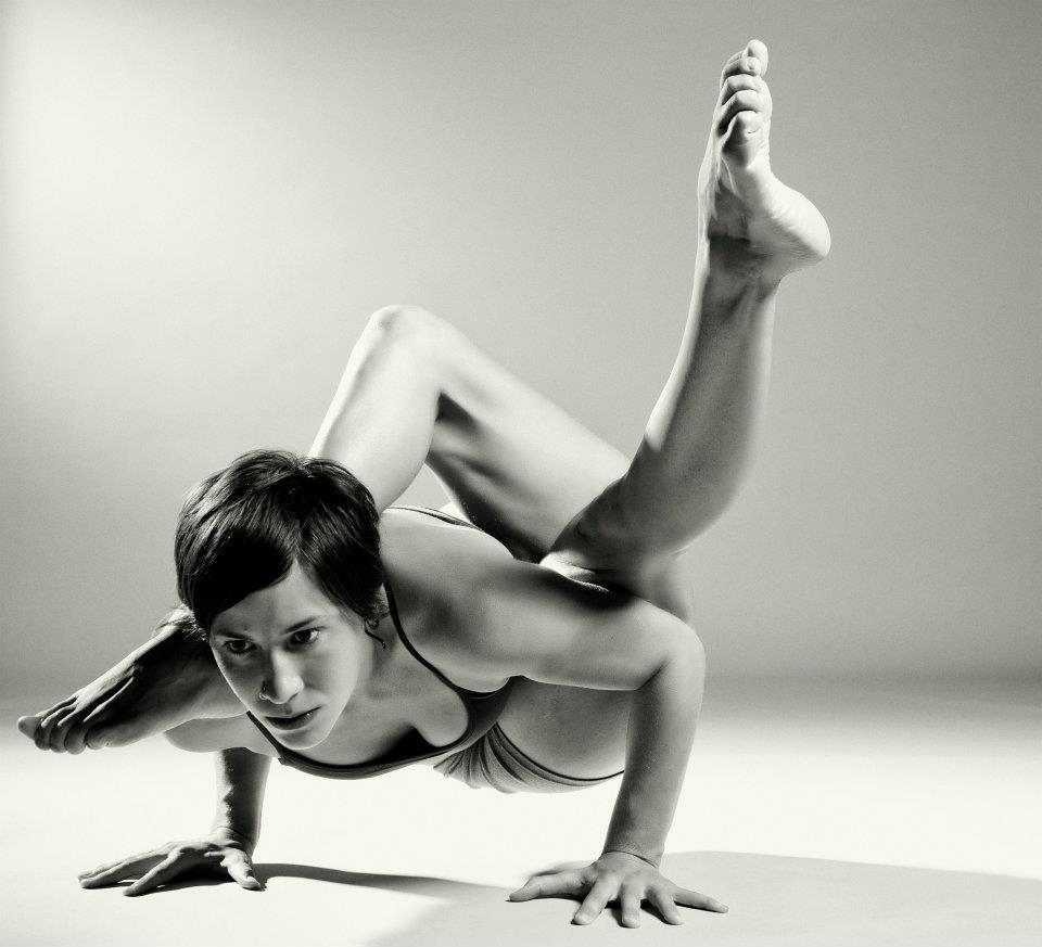 Асаны хатха йоги - удержание неудобных поз.