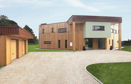 Энергоэффективный дом в Лестершире, вход и гараж