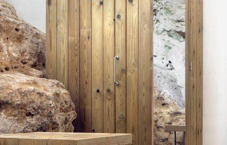 Современный дом в пещере, шкаф