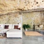 Современный дом в пещере, гостинная