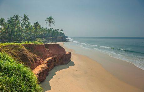 Отдых в Индии на курорте Керала, пляж Варкала