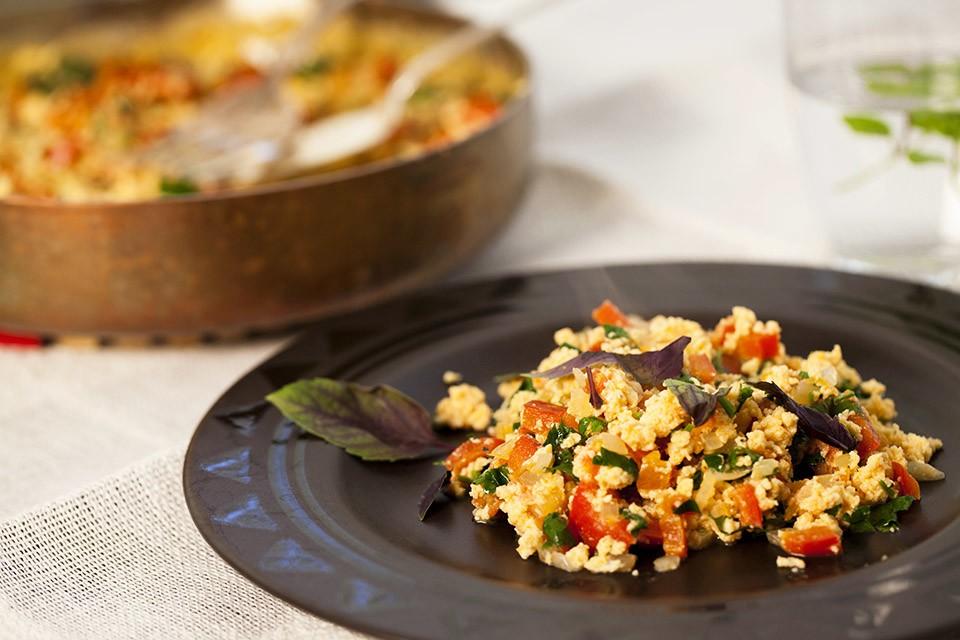 Омлет с овощами - рецепт завтрака из яиц