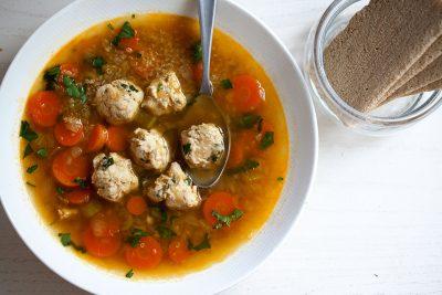 Домашние рецепты - суп киноа с фрикадельками