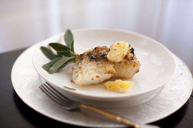 Рецепт здорового питания - треска с лимоном и шалфеем