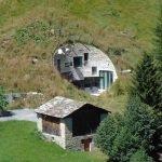 Альпийский подземный дом - вилла Вальс, дом и амбар