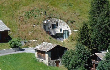 Дом под землей - вилла Вальс, дом и амбар
