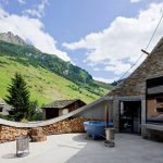 Альпийский подземный дом - вилла Вальс, вид на горы