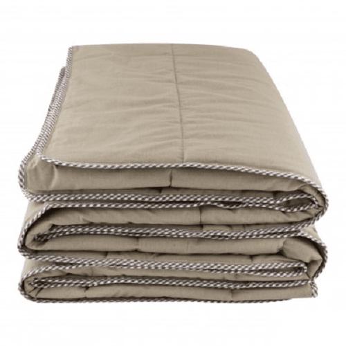 Стеганое одеяло из конопли с темным кантом