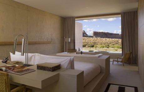 Курорт Amangiri, вид на пустыню с окна спальни
