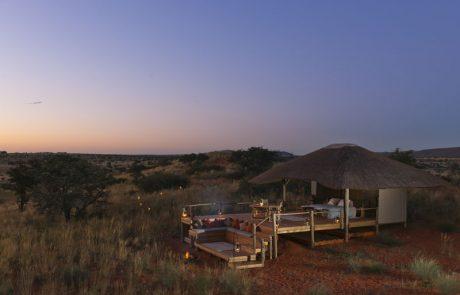 Tswalu Kalahari, лоджа Malori вечером