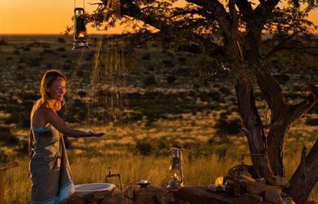 Tswalu Kalahari, лоджа Malori, душ посреди буша