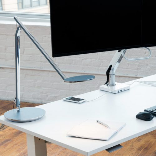 Светодиодная лампа Infinity на столе