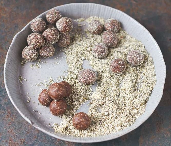 Трюфели: рецепт из фиников и тыквенных семечек