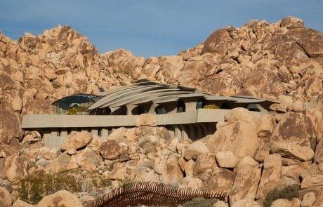 Дом Пустыни, экстерьер