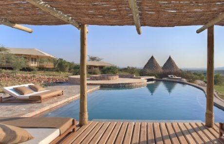 Лагерь Mara Bushtops, открытый бассейн