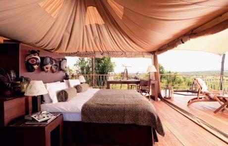 Лагерь Mara Bushtops, интерьер палатки