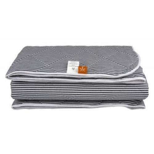 Демисезонное стеганое одеяло из конопли, серое в полоску